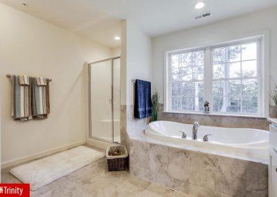 trinity_dg_master_bathroom_2
